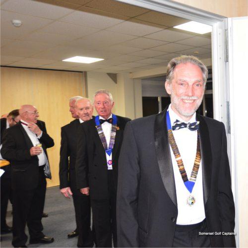 Surrey Captain, John Graves & Sussex Captain Phil Williamson